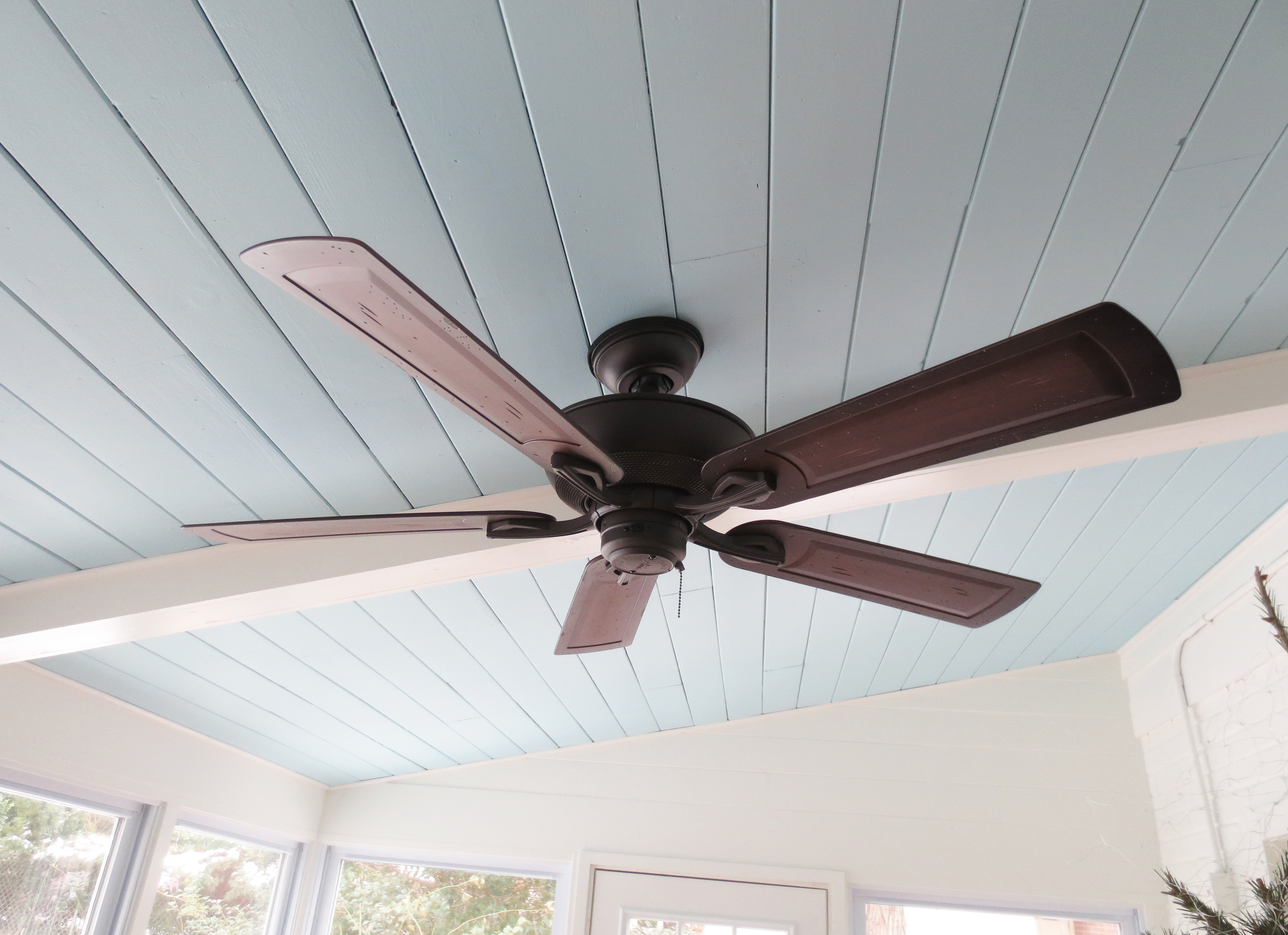 Hunter ceiling fan light went out : Were you raised in a barn threenineohfive