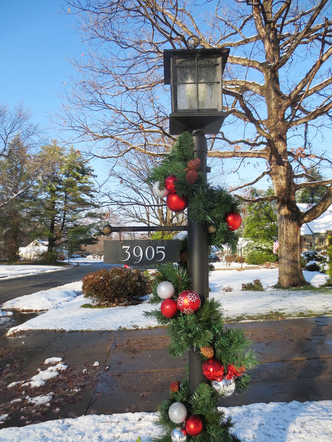 It's Beginning to Look Alot Like Christmas | ThreeNineOhFive